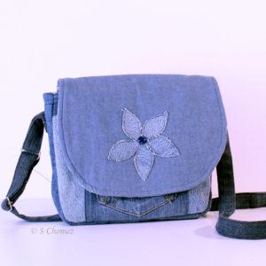 Sac à main upcycling Fleur bleue