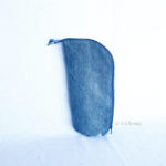 Trousse en mode Vertical upcycling nov - carré bleu
