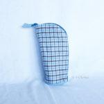 Trousse en mode Vertical upcycling nov - carré bleu clair